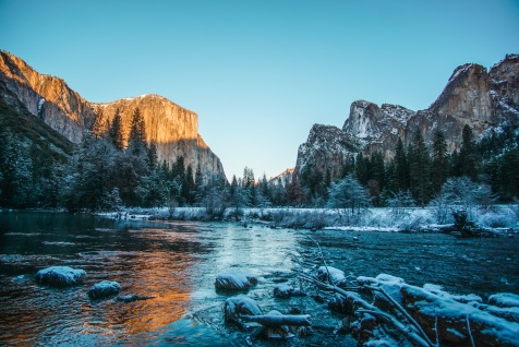 Clear skies over the Gates to the Valley in Yosemite National Park, California